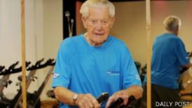 Tom Marsden baru berhenti menyelam pada usia 90 tahun
